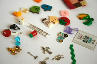 TomToy Farm theme I spy Alphabet trinkets, objects, Language miniatures, A-Z phonics, ABC box, letter sounds
