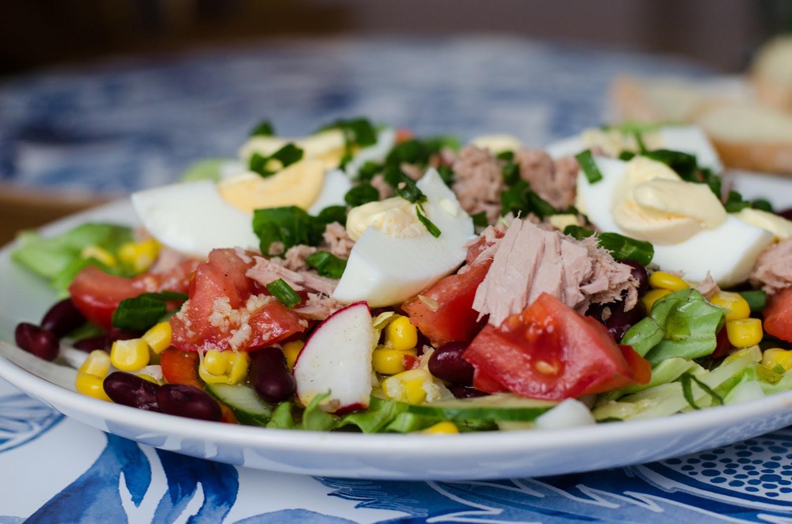 sałatka, sałatka z tuńczykiem, przepis, przepisy, kulinaria
