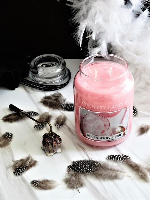 avis Blushberry Frosé de Country Candle, blushberry frose country candle, avis bougie country candle, country candle review, blushberry frose review, blog bougie, candle review, scented candle