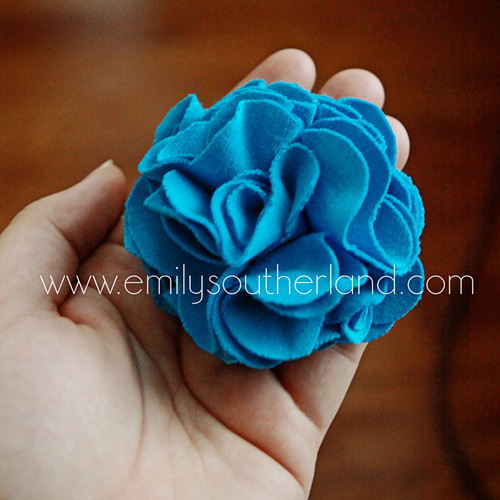 Emily's Little World: How To Make A T-Shirt Fabric Flower ...