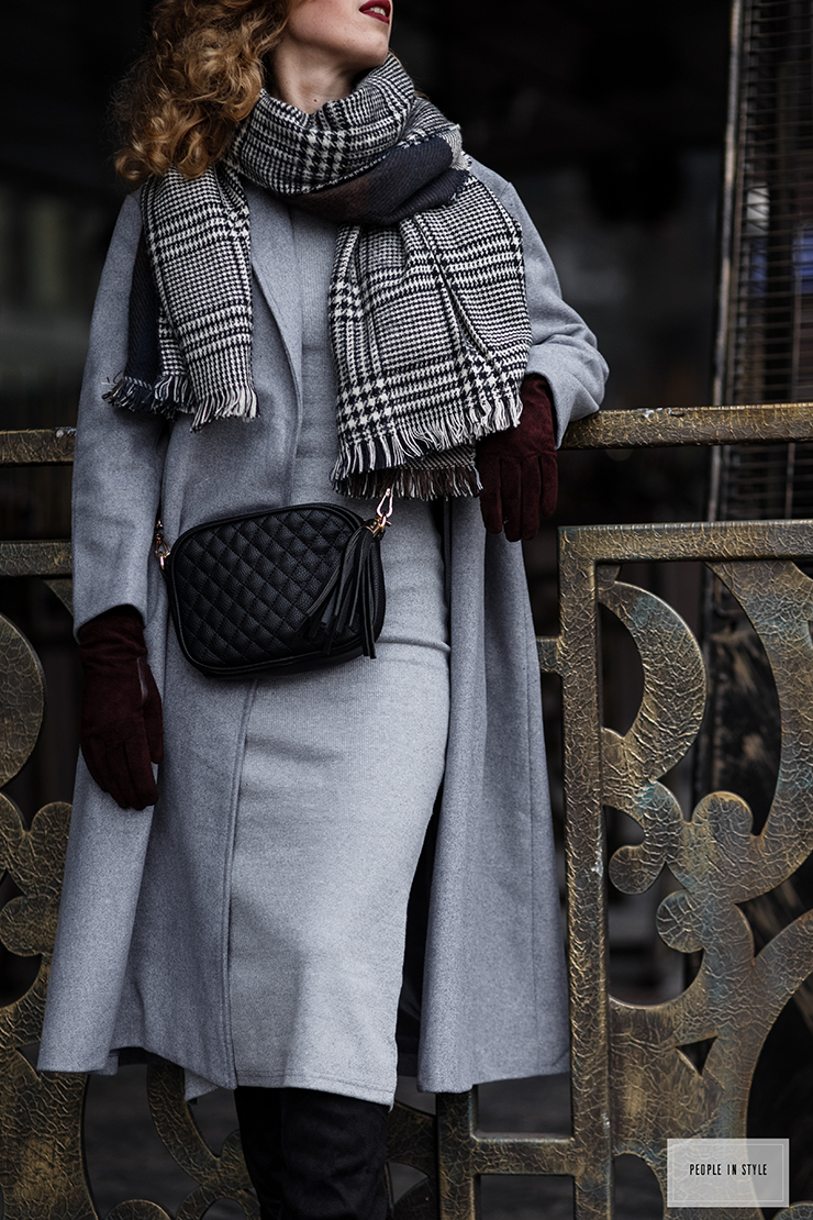 margarita_maslova_grey_coat_style_people_street