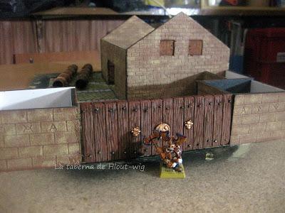 Portón y murallas