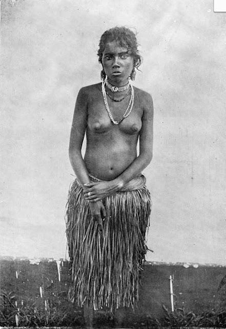 La variedad de tipos humanos en La India es numerosa. Se trata de una joven Valayan