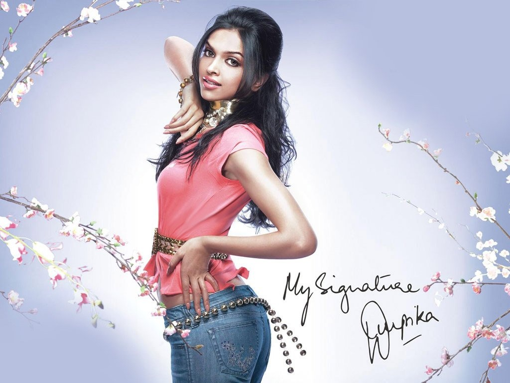 Cute Actress: Deepika Padukone HQ Photos