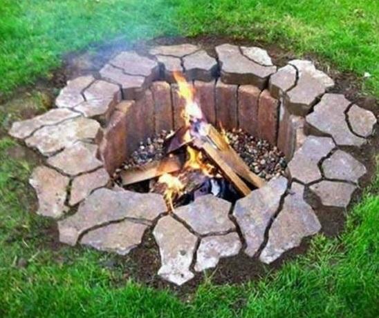 Cara Mudah Membuat Fire Pit di Luar Rumah