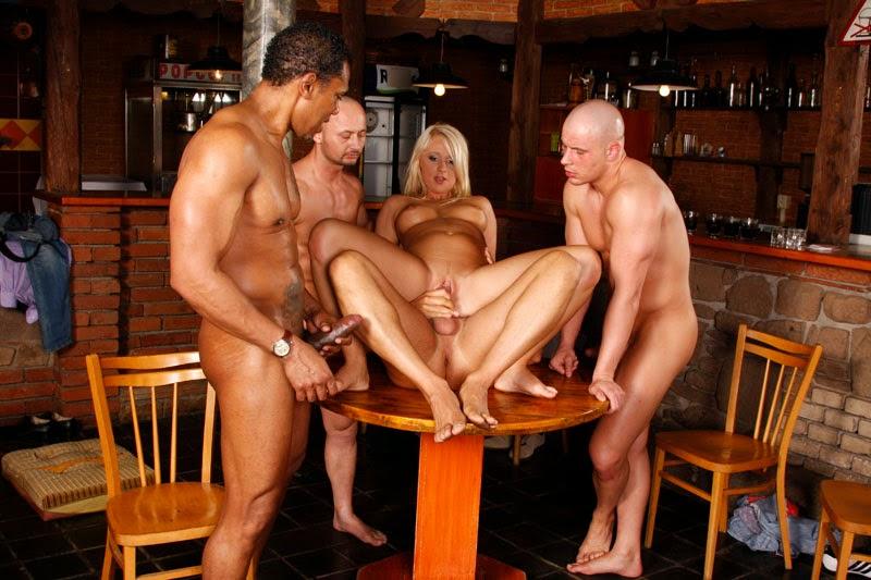 Порно в баре онлайн — pic 8