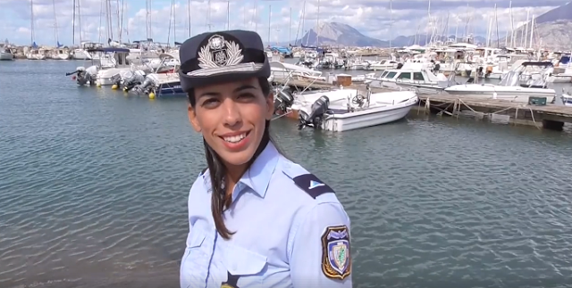 Η Ελληνική αστυνομία στηρίζει το τουρισμό μας (βίντεο)
