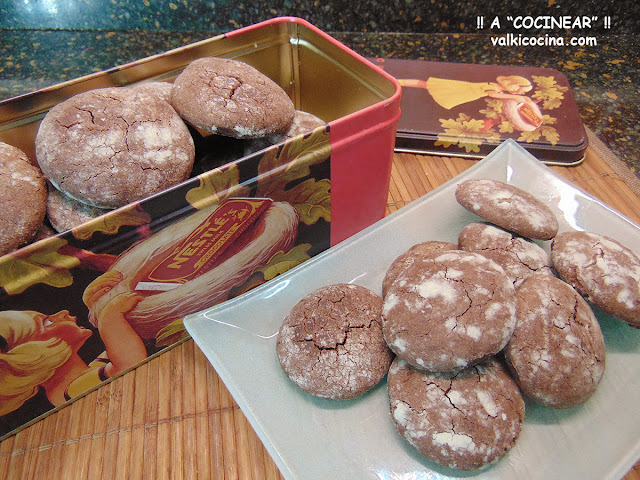Galletas de chocolate craqueladas