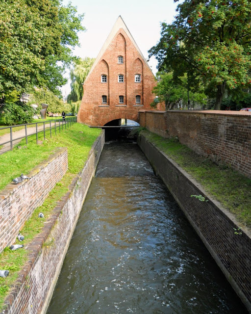 What to see in Gdansk Poland: Canal and mill