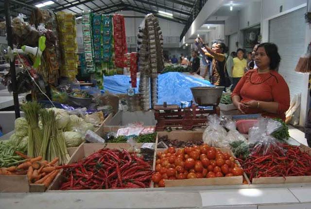 pedagang pasar ciborelang majalengka keberatan harga kios