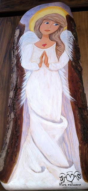 Anioł w sukni z jesiennej mgiełki