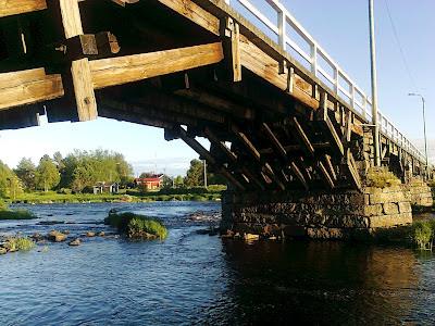 Etelänkylän isosilta, pyhäjoen puusilta, Pyhäjoen isosilta, aurinko, silta