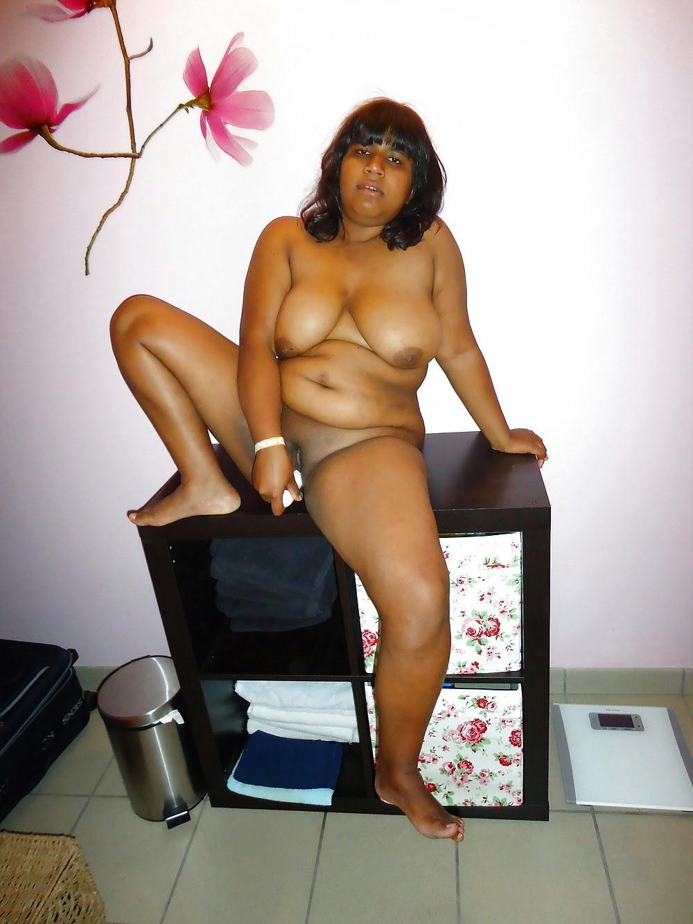 Big boobs busty naked bhabhi South Indian sexy BBW