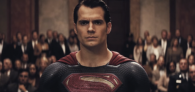 Superman (Henry Cavill) în Batman V Superman: Dawn Of Justice