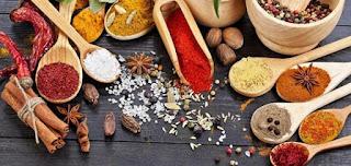 أفضل التوابل والاعشاب التي تساعد على حرق الدهون بالجسم