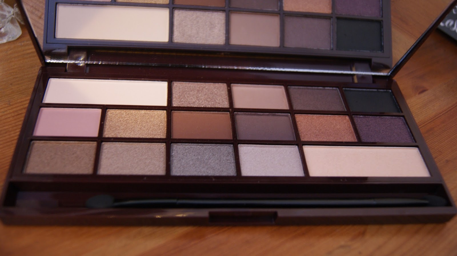 Makeup Revolution Death By Chocolate Palette Eyeshadow Colours
