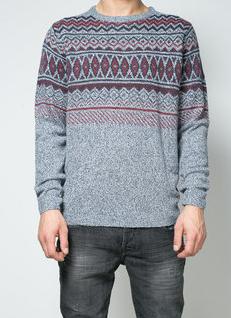Cumpara de aici acest pulover tricotat ideal de purtat iarna