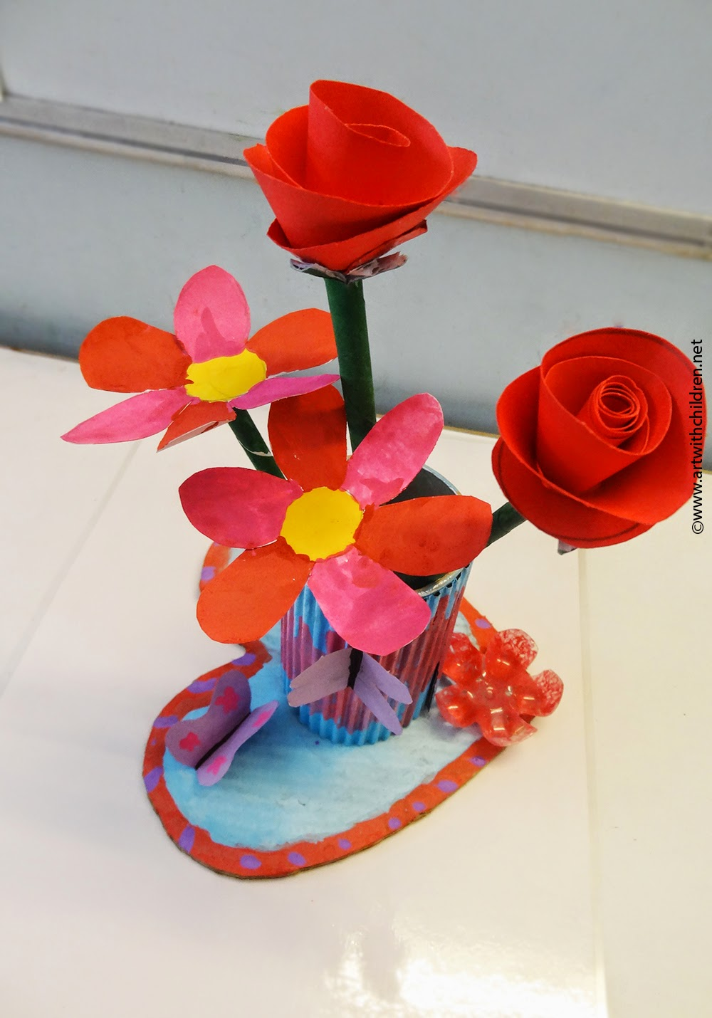 Make An Easy Flower Vase