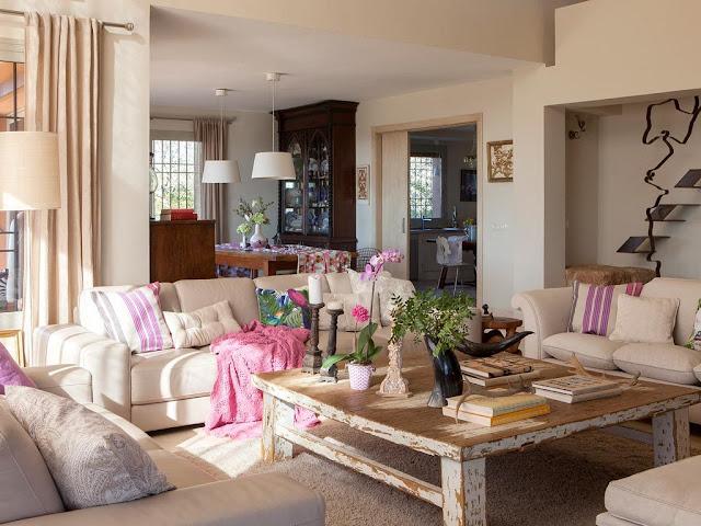 sala-linda-decorada-em-rosa-e-lilas