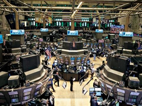 ef97a7d2f6 TOKYO - Nuovo crollo alla Borsa di Tokyo per il titolo della Toshiba, dopo  l'annuncio di ieri circa una possibile svalutazione degli asset di una  divisione ...