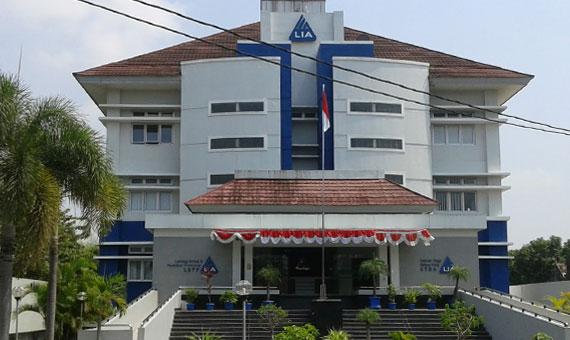 Sekolah Tinggi Swasta Yogyakarta