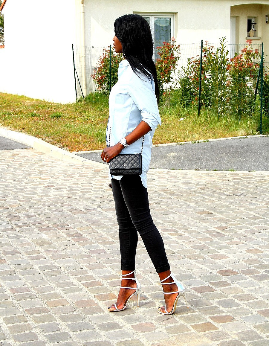 strappy-sandals-chanel-woc-oversize-shirt-skinny-jeans