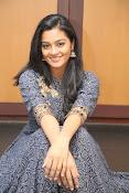 gayathri latest sizzling pics-thumbnail-9