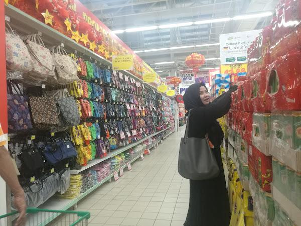 Shopping dekat Giant jela CNY ni, kan murah ....