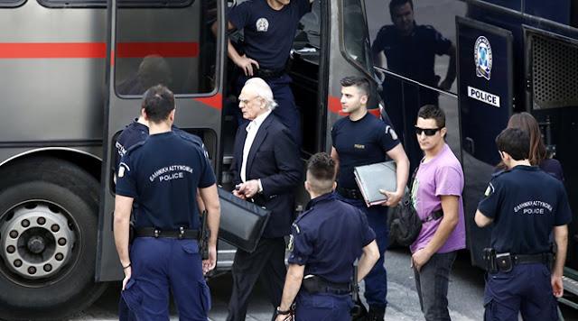 ΚΕΡΑΥΝΟΣ! ΑΣΤΡΑΠΗ! Ο Άκης Τσοχατζόπουλος κατέθεσε νέο αίτημα αποφυλάκισης...
