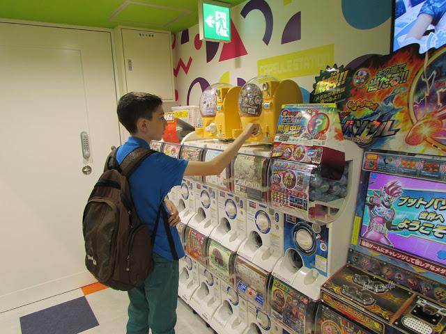 Máquinas con premios en Character Street