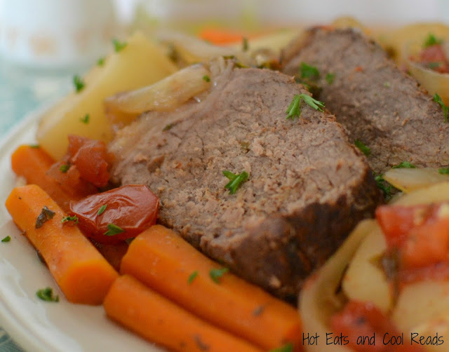 This crock pot meal is easy, hearty and comforting! Great for Sunday dinner or for those busy weeknights! Slow Cooker Beef Roast Dinner Recipe from Hot Eats and Cool Reads