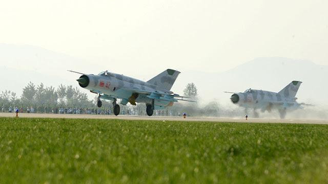 Corea del Norte ensaya ataques aéreos contra portaaviones de EE.UU.