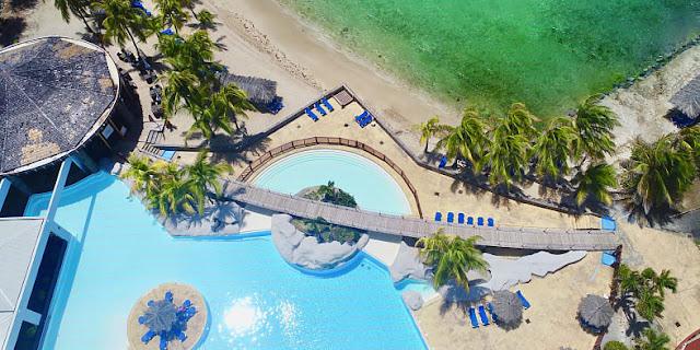 Vue aérienne de l'hôtel Manganao en Guadeloupe