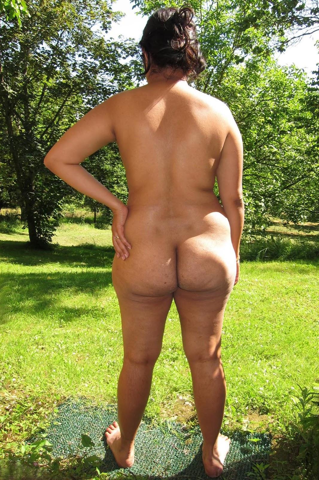 Big naked black ass