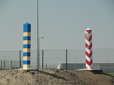 Hito de frontera entre Polonia y Ucrania
