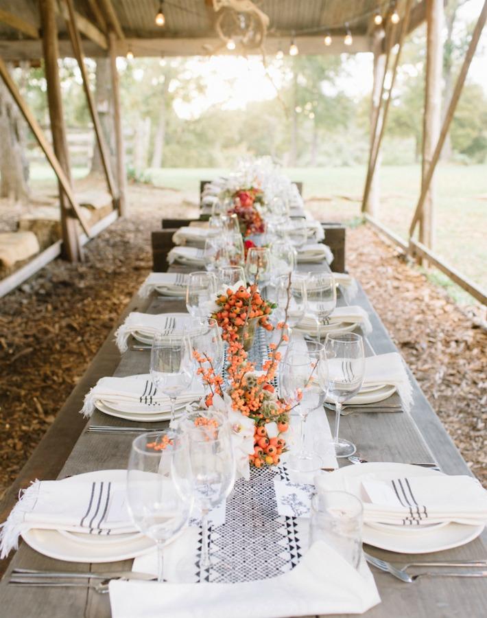 Mesa de campo en otoño