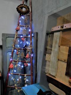 detalle de decoracion navideña, merale, en el desembalaje de bilbao