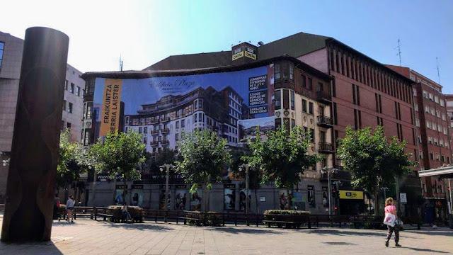 Anuncio en Bide Onera de la promoción de pisos de lujo del Grupo Eibar