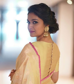 Keerthy Suresh in Saree with Cute Smile in Pandem Kodi 2 Audio Launch 6