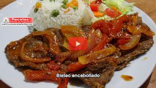 Deliciosa receta de Bistec encebollado es un plato muy jugoso y sabroso perfecto para una reunión familiar, suele acompañarse de arroz blanco y ensalada.