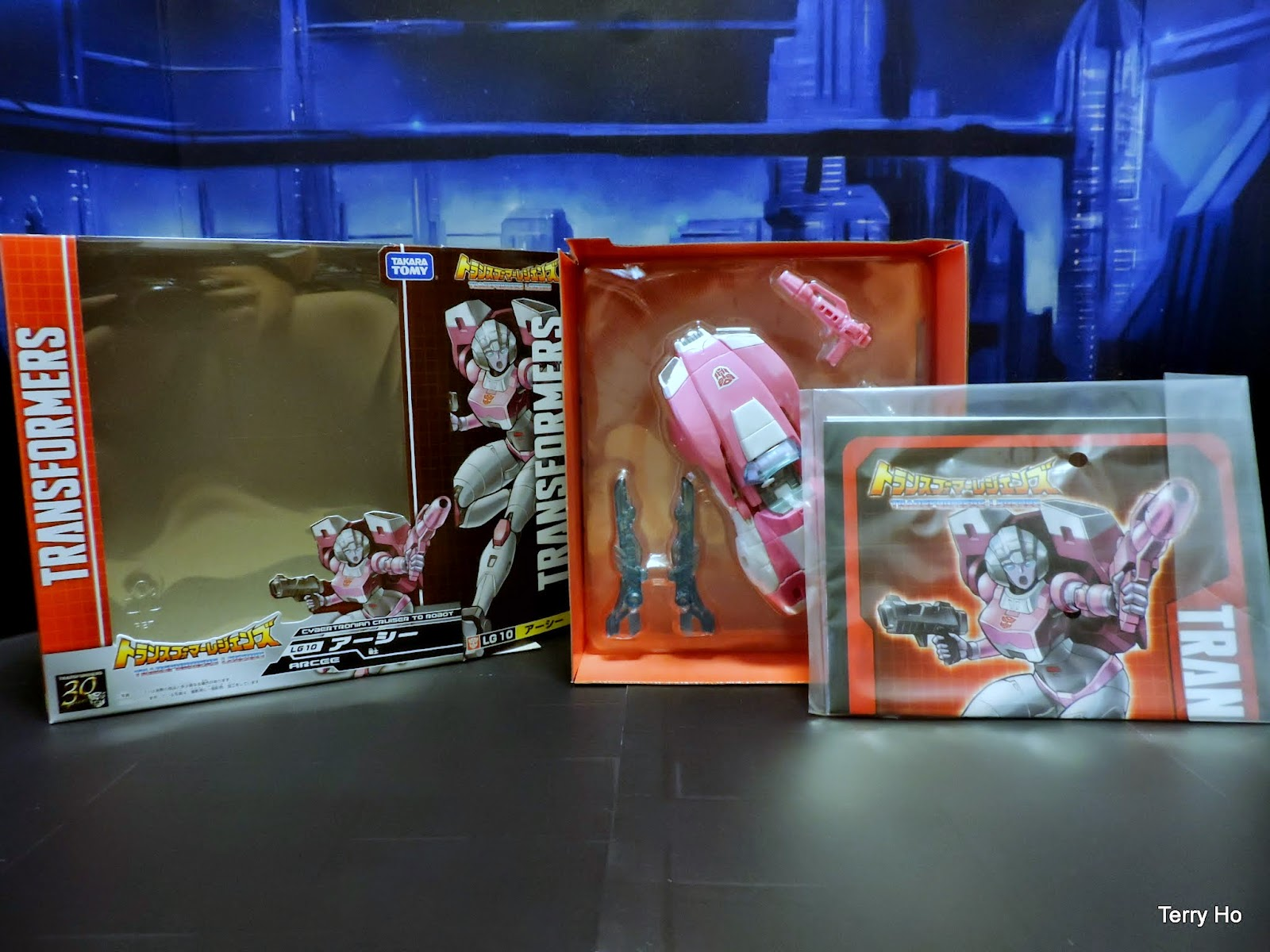 Transformers Legends Arcee LG10 Takara Tomy