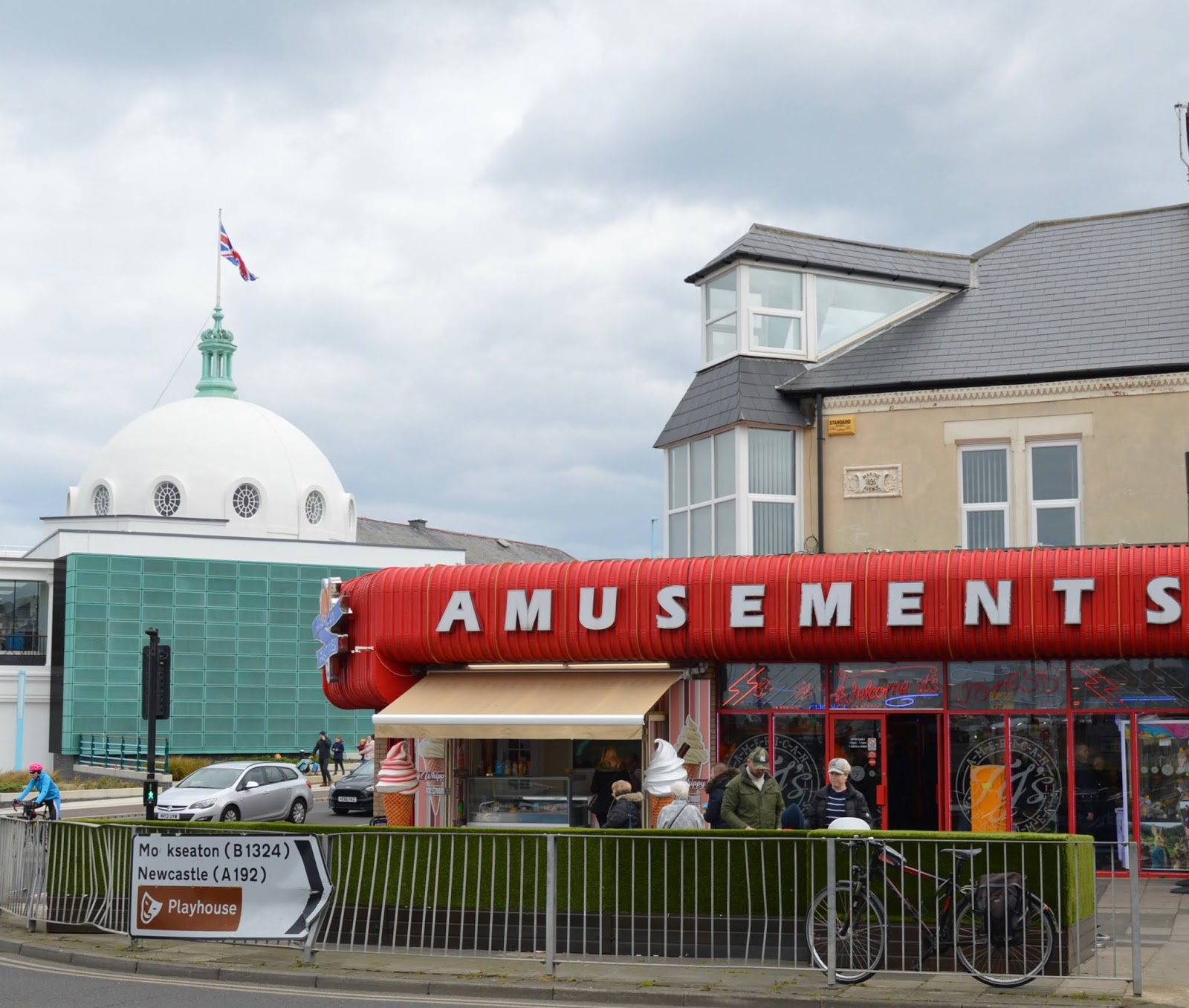 The Seasider Open Top Bus Tour Whitley Bay | Tickets, Prices, Timetables & Where To Visit - whitley bay amusements