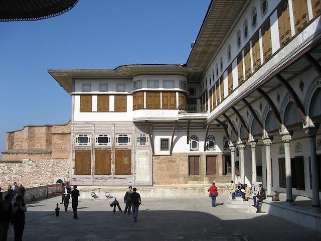 favourite concubine apartments