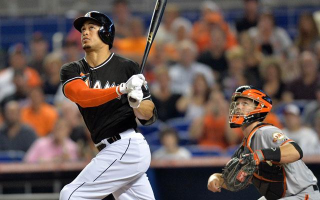 MLB: HR 45 de Stanton impulsa a Marlins sobre Mets