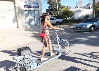 Bicicleta para andar o desplazarse caminando con ruedas