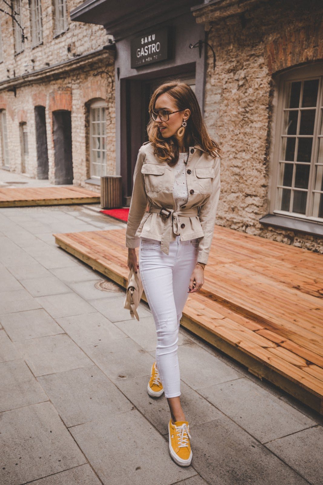 linen beige safari style jacket spring trend street style outfit