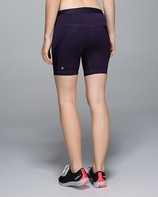 lululemon clip in short black grape