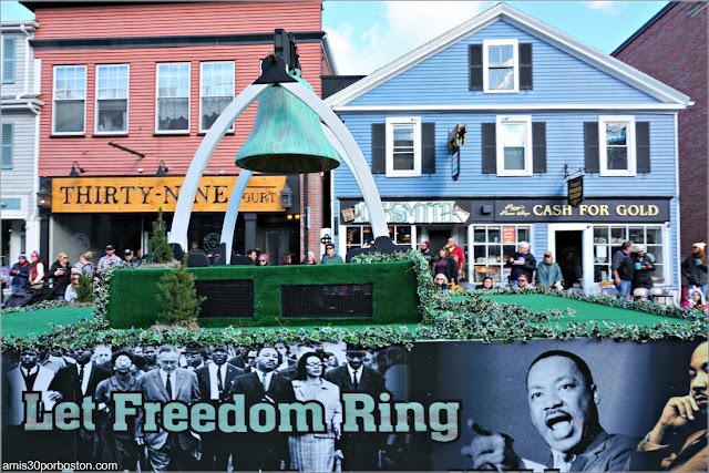 Luther King en el Desfile de Acción de Gracias de Plymouth