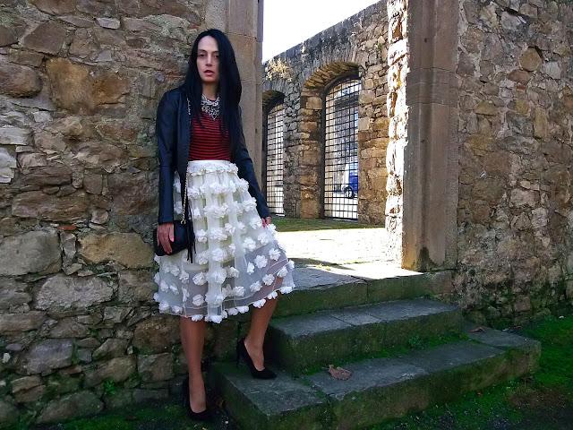 fashion, moda, look, outfit, blog, blogger, walking, penny, lane, streetstyle, style, estilo, trendy, rock, boho, chic, cool, casual, ropa, cloth, garment, inspiration, fashionblogger, art, photo, photograph, Avilés, oviedo, gijón, tulle, tul, stripes, rayas, skirt, zara, bolso, bag, stilettos, shoes