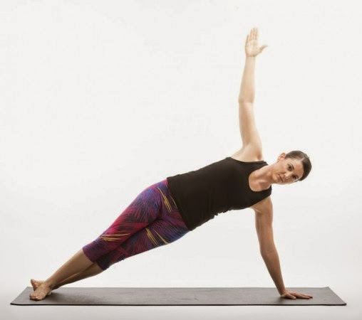 Senam pilates selain dapat melatih keseimbangan tubuh 3 Pose Senam Pilates Untuk Meratakan Perut dan Mengencangkannya
